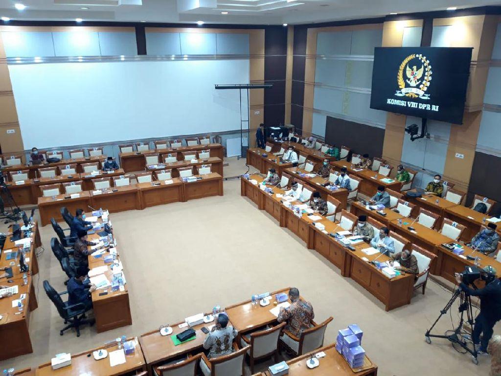 Kemenag Akui Masih Potong Dana BOS, Komisi VIII Ungkit Janji Menag