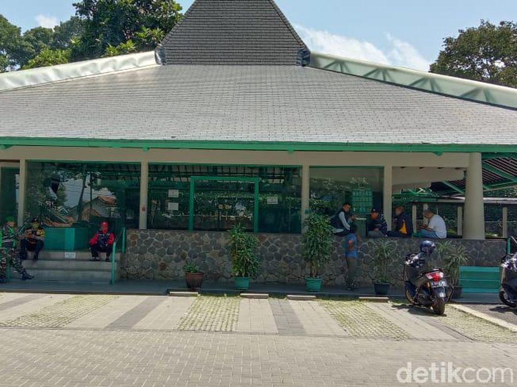 Teka-teki Motif Pria Rusak Masjid di Dago Bandung