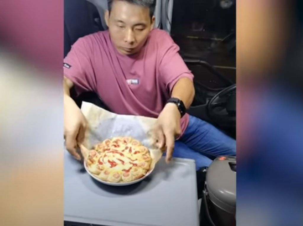Hobi Masak, Sopir Ini Jago Bikin Pizza hingga Panggang Ikan di Truk