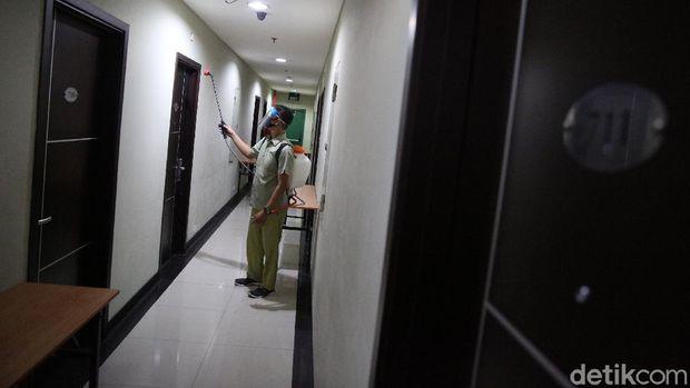 Gugus Tugas Percepatan dan Penanganan COVID-19 Kota Bekasi Siapkan The Green Hotel Untuk Isolasi Pasien COVID-19. Saat ini persiapan mulai dilakukan.