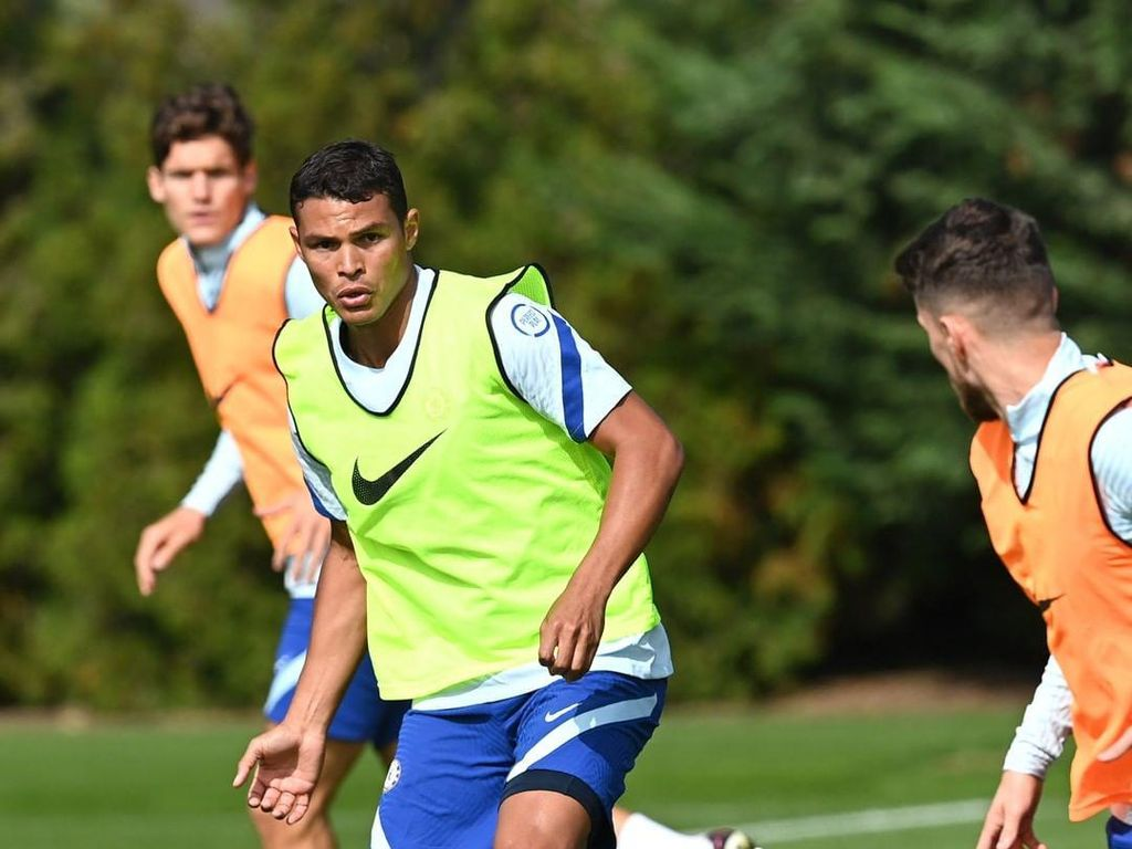 Kelakar Thiago Silva: Umur Cuma Angka