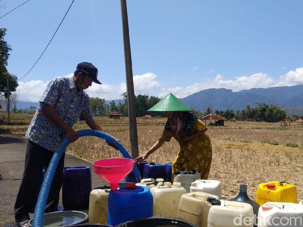 3 Bulan Lebih Warga Desa Cihanjaro Kuningan Krisis Air Bersih