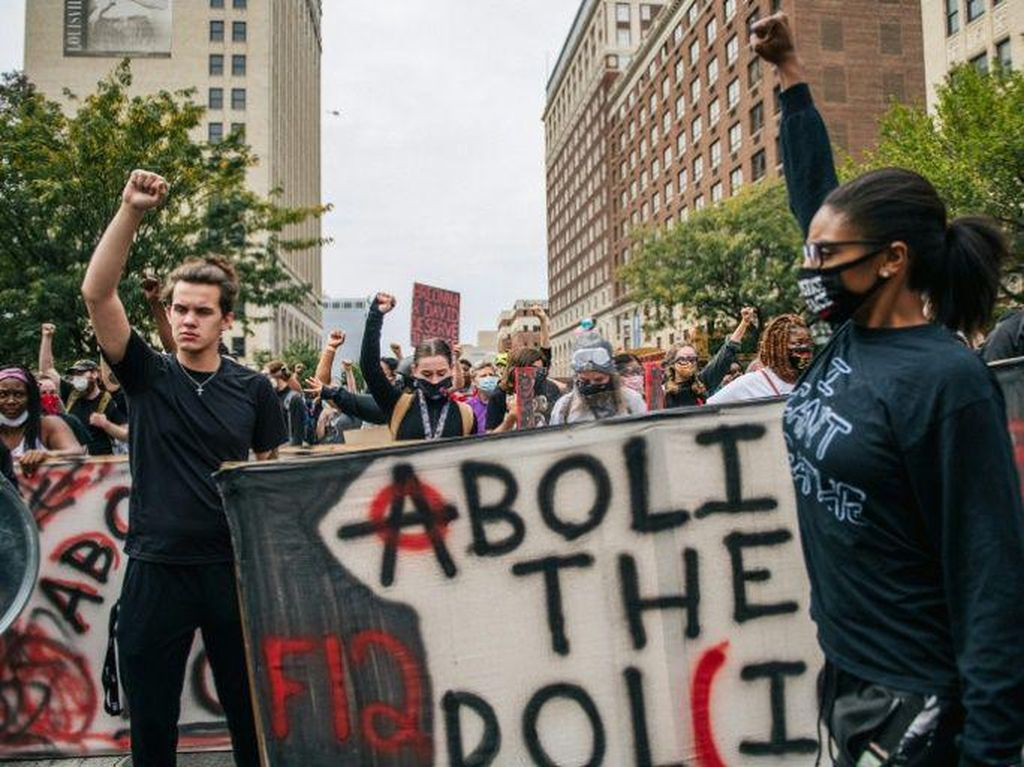 2 Polisi Penembak Mati Breonna Taylor Tidak Dituntut, Demo Pecah di AS