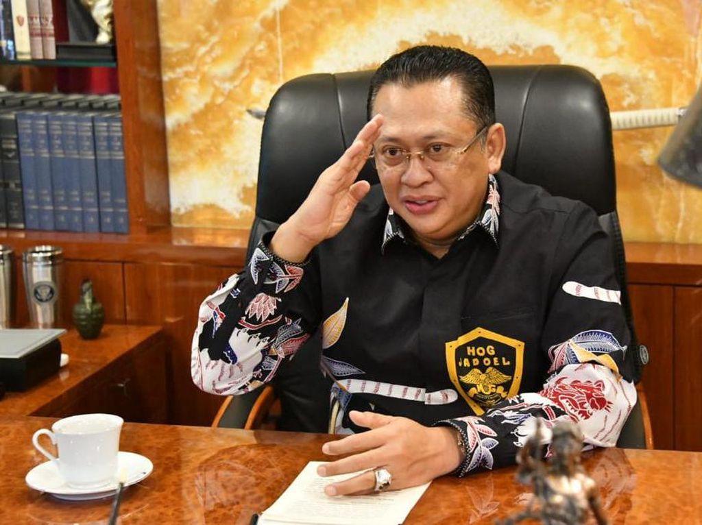 Ketua MPR & PARFI56 Salurkan Bantuan untuk UMKM Pekerja Seni