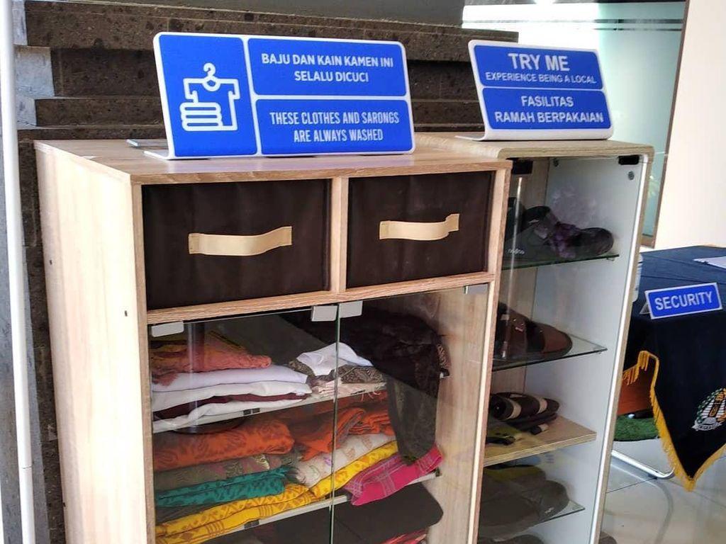 Keren! Imigrasi Ngurah Rai Sedia Baju Adat Bali untuk Pengunjung