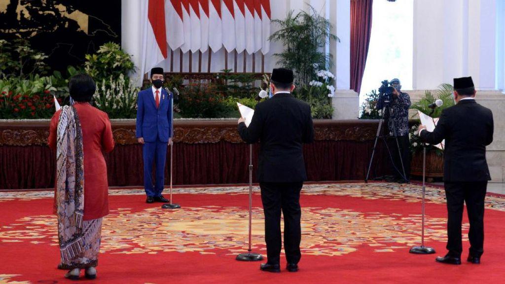 Jokowi Lantik Aggota Dewan Komisioner LPS