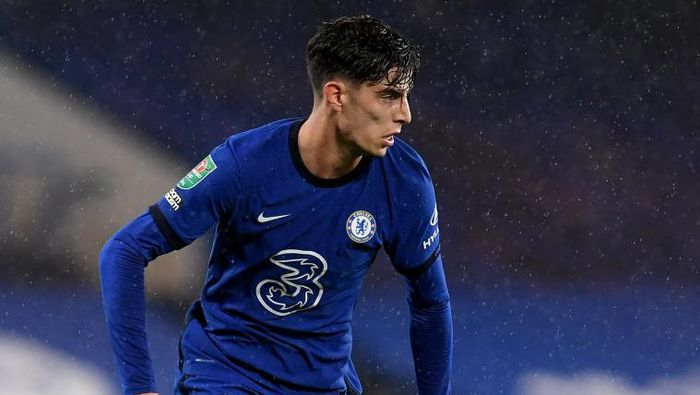 LONDON, ENGLAND - SEPTEMBER 23: Kai Havertz of Chelsea runs with the ball during the Carabao Cup third round match between Chelsea and Barnsley at Stamford Bridge on September 23, 2020 in London, England. Football Stadiums around United Kingdom remain empty due to the Coronavirus Pandemic as Government social distancing laws prohibit fans inside venues resulting in fixtures being played behind closed doors. (Photo by Neil Hall - Pool/Getty Images)
