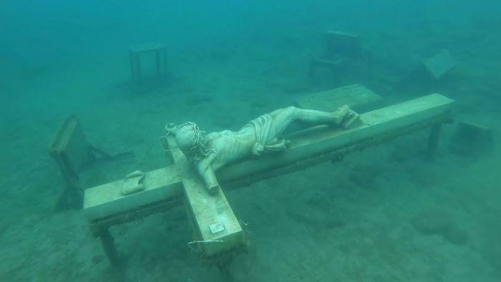 Potret Hal-hal Menakutkan yang Ditemukan di Dasar Danau
