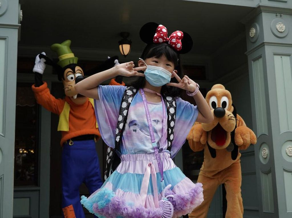 Disney Tetap Wajibkan Pakai Masker Walau Pengunjung Sudah Divaksin