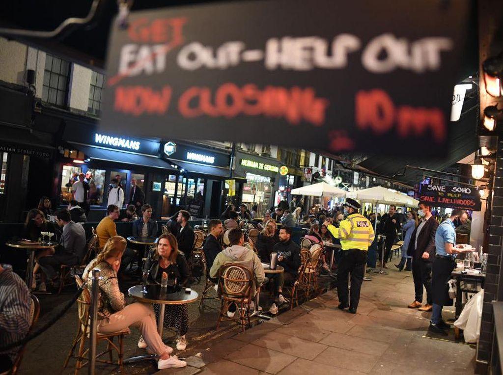 Inggris Terapkan Jam Malam, Pub dan Bar Terancam Mati