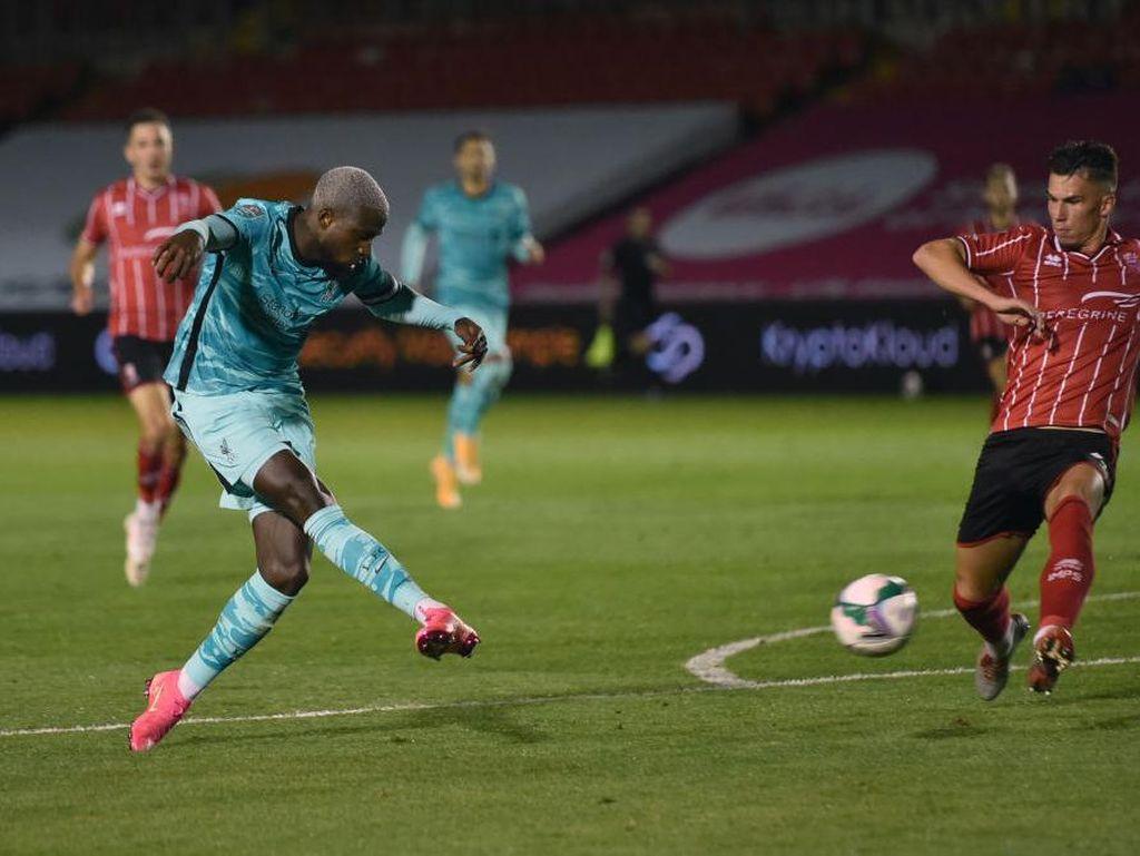 Piala Liga Inggris: Liverpool Pesta Gol 7-2 Lawan Tim Divisi Tiga