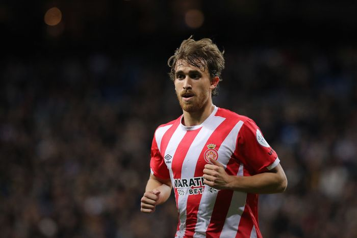 MADRID, SPAIN - JANUARY 24: Marc Muniesa gives instructions in action during the Copa del Rey Quarter Final match between Real Madrid CF and Girona FC at Estadio Santiago Bernabeu on January 24, 2019 in Madrid, Spain. (Photo by Gonzalo Arroyo Moreno/Getty Images)