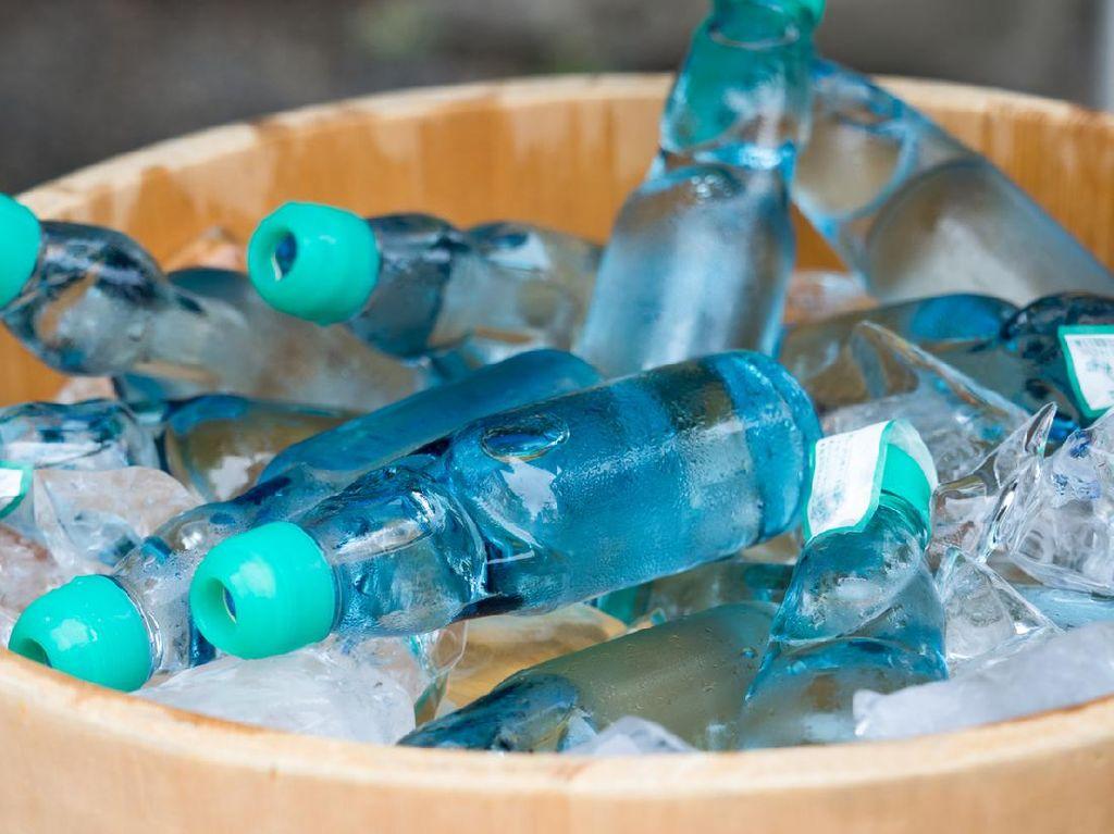 Segarnya Ramune, Minuman Soda Jepang yang Berisi Kelereng