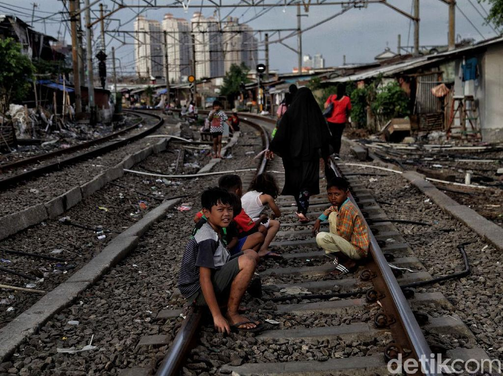 Bank Dunia: Gegara Pandemi, 1,4% Populasi Dunia Alami Kemiskinan Ekstrem