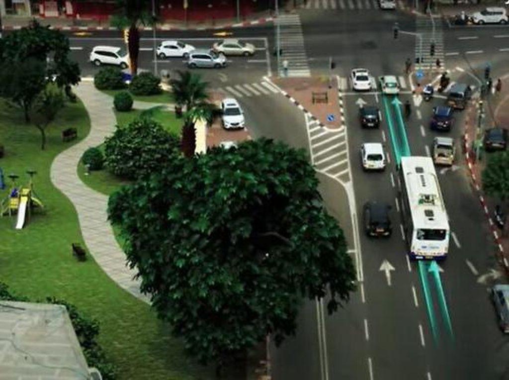 Canggih, Jalanan di Ibu Kota Israel Bisa Ngecas Bus Listrik yang Berjalan