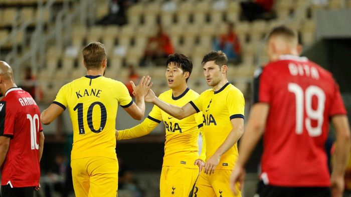 SKOPJE, MACEDONIA - SEPTEMBER 24: Heung-Min Son of Tottenham Hotspur celebrates with teammates after scoring his teams second goal during the UEFA Europa League third round qualifying match between Shkendija and Tottenham Hotspur at National Arena Todor Proeski on September 24, 2020 in Skopje, Macedonia. Football Stadiums around Europe remain empty due to the Coronavirus Pandemic as Government social distancing laws prohibit fans inside venues resulting in fixtures being played behind closed doors. (Photo by Srdjan Stevanovic/Getty Images)