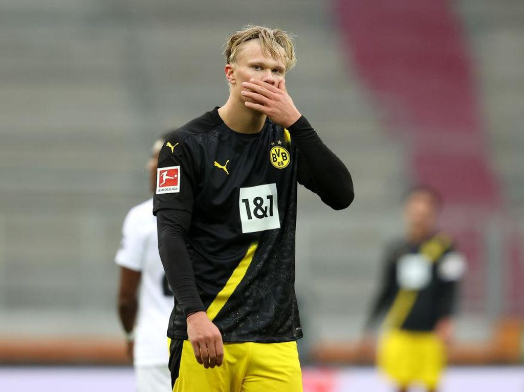 Dortmund Vs Augsburg: Die Borussen Tumbang 0-2