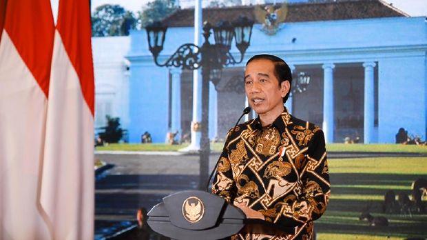 Presiden Joko Widodo saat memberikan keterangan tentang perkembangan realisasi program Pemulihan Ekonomi Nasional (PEN) di Istana Kepresidenan Bogor, Jawa Barat, pada Sabtu, 26 September 2020.