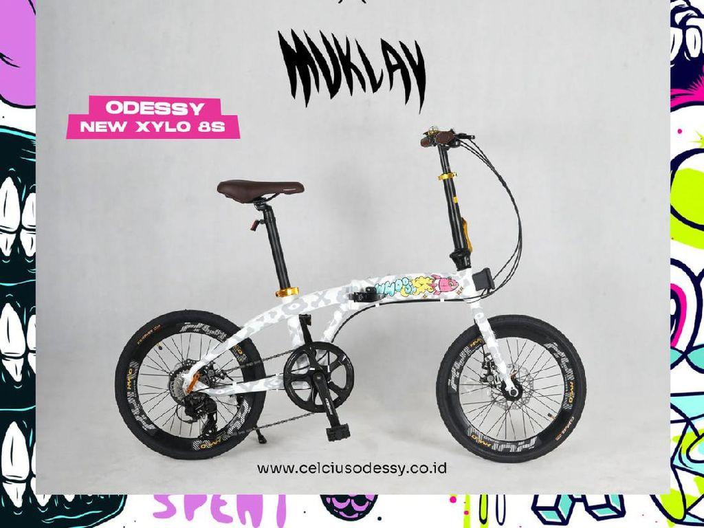 Muklay dan Lapantigatiga Punya Kolaborasi Seru dengan Celcius Odessy Bike