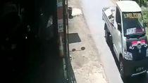 Viral Video Pikap Tabrak Motor Lalu Kabur di Probolinggo
