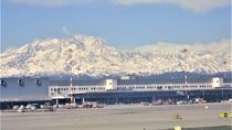Disambut Pegunungan Salju Cantik Setiba di Bandara Milan