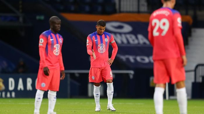 WEST BROMWICH, ENGLAND - SEPTEMBER 26: Thiago Silva of Chelsea looks dejected after making a mistake that lead to West Bromwich Albions second goal during the Premier League match between West Bromwich Albion and Chelsea at The Hawthorns on September 26, 2020 in West Bromwich, England. Sporting stadiums around the UK remain under strict restrictions due to the Coronavirus Pandemic as Government social distancing laws prohibit fans inside venues resulting in games being played behind closed doors. (Photo by Catherine Ivill/Getty Images)