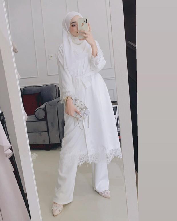 Atasan untuk kondangan ala hijabers.