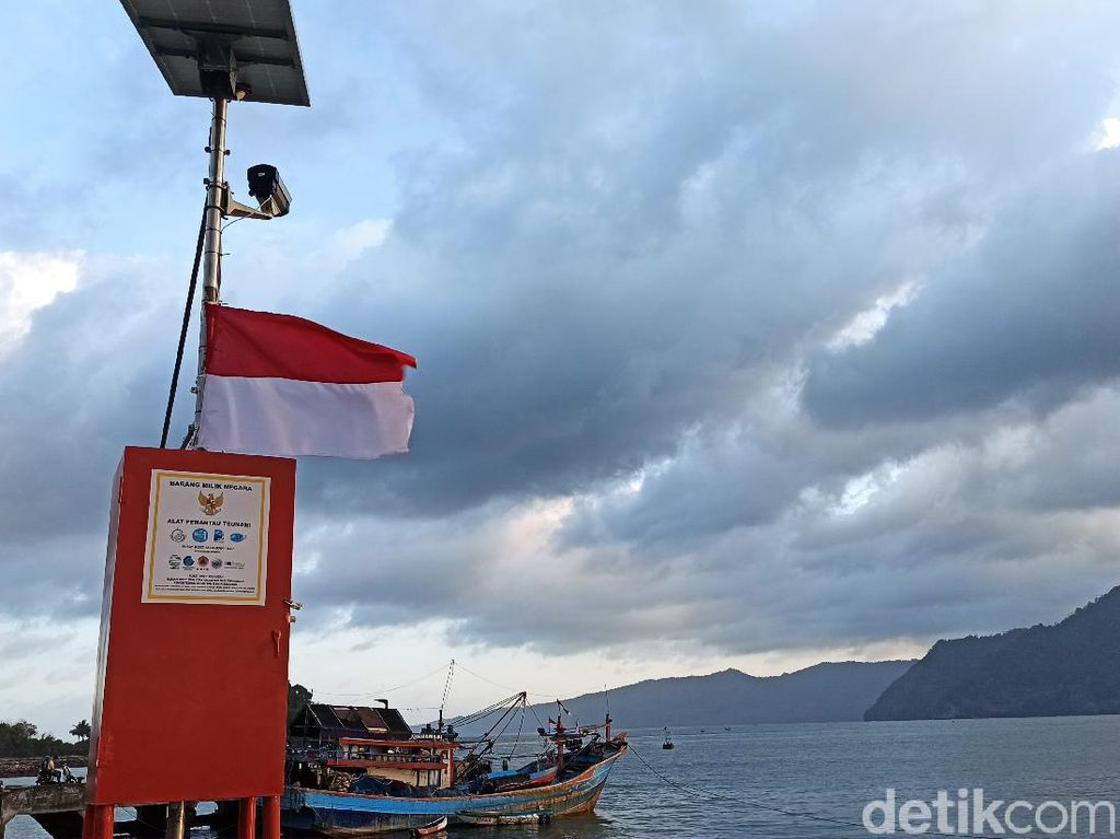 3 Kecamatan di Trenggalek Berpotensi Tsunami, Alat Peringatan Dini Dipasang