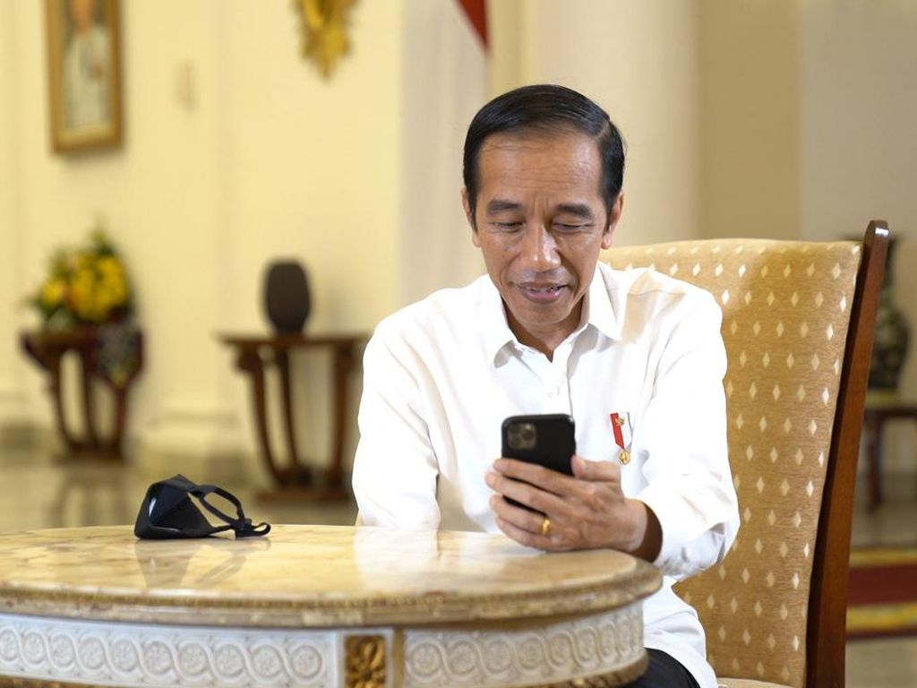 Dicurhati Pedagang Omzet Anjlok, Jokowi: Harus Kerja Lebih Keras