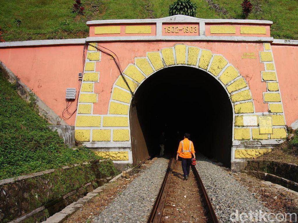 Menyusuri Terowongan Tertua dan Terpanjang di Bandung Barat
