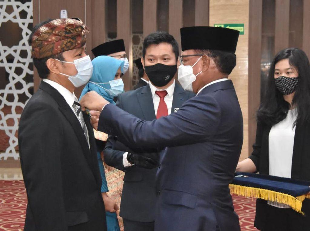 Ketua KPI Agung Suprio Terima Tanda Kehormatan Satyalencana Bidang Postel
