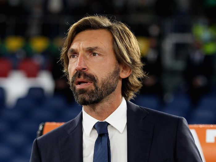 ROME, ITALY - SEPTEMBER 27:  Juventus head coach Andrea Pirlo looks on during the Serie A match between AS Roma and Juventus at Stadio Olimpico on September 27, 2020 in Rome, Italy.  (Photo by Paolo Bruno/Getty Images)