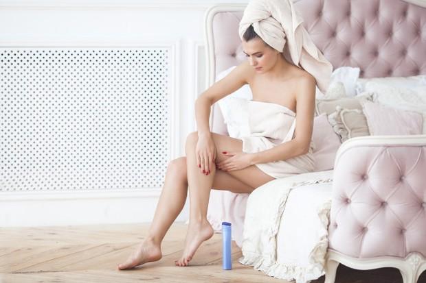 Karena mengandung komedogenik, para ahli kulit tidak merekomendasikan untuk memakainya pada wajah.