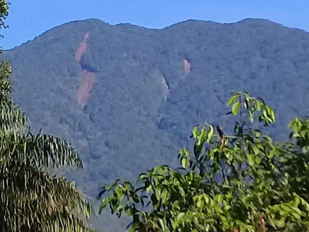 Ramai Soal Gunung Salak Disebut Terbelah, BNPB Beri Penjelasan