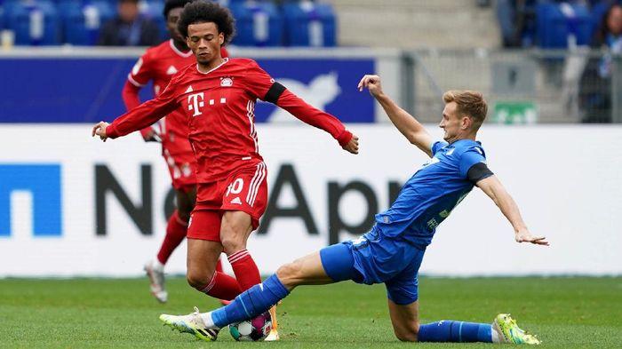 Catatan tak terkalahkan Bayern Munich sejak Desember 2019 terhenti di tangan Hoffenheim, Minggu (27/9/2020) malam WIB. Die Roten tumbang di kandang Die Kraichgauer 1-4.