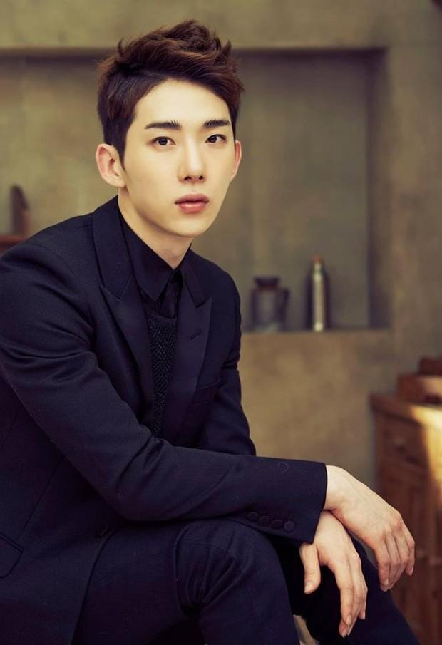 Jo Kwon dituduh pergi ke klub malam di Itaewon saat seseorang dikonfirmasi positif corona di tempat yang sama.