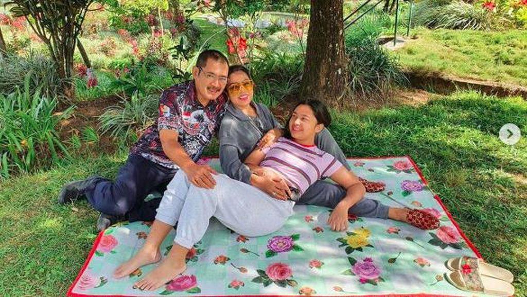 Potret Kebahagiaan Mayangsari dan Bambang Trihatmodjo