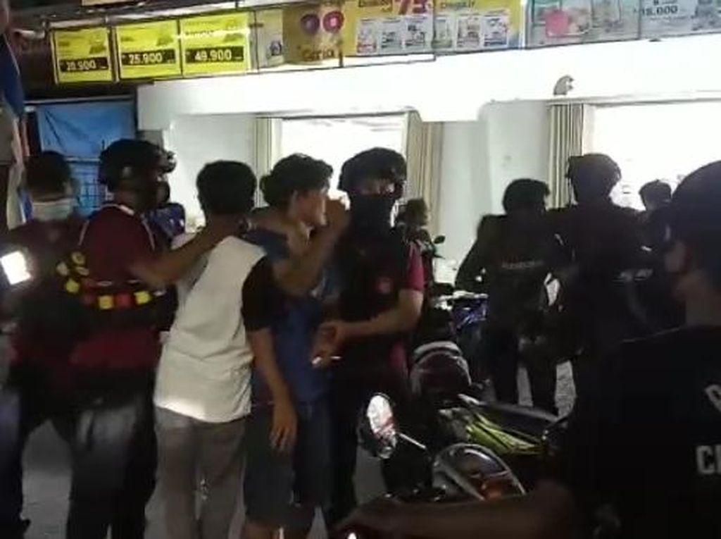 Nasib Malang Akbar di Makassar, Tewas Dibusur-Rumah Dibakar Pelaku Tawuran