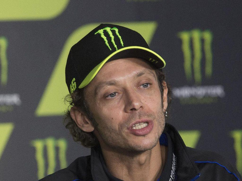 Crash di MotoGP Catalunya, Valentino Rossi: Memalukan!