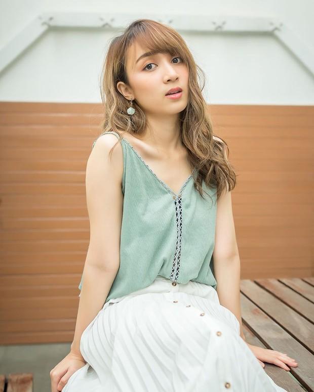 Pesona artis cantik Indonesia keturunan Jepang bernama Ayana Shahab.