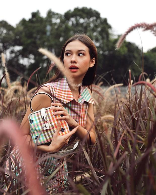 Pesona kecantikan Yuki Kato, artis Indonesia keturunan Jepang.