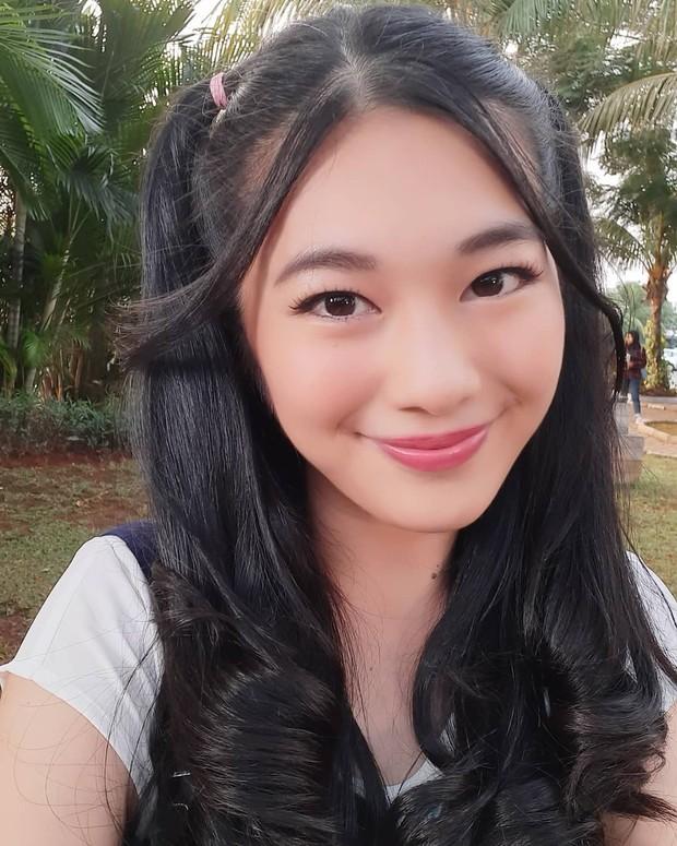 Potret cantik artis Indonesia blasteran Jepang bernama Claudy Putri.