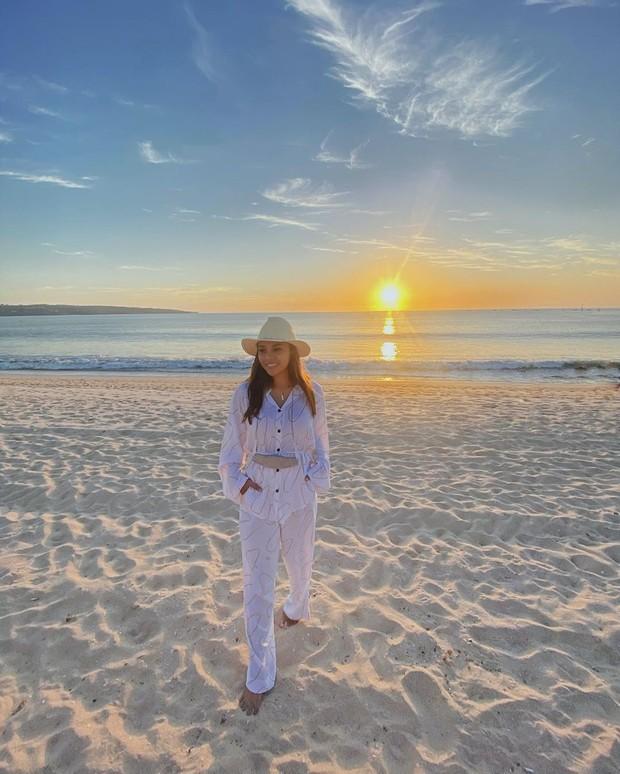OOTD ke pantai ala Aurel