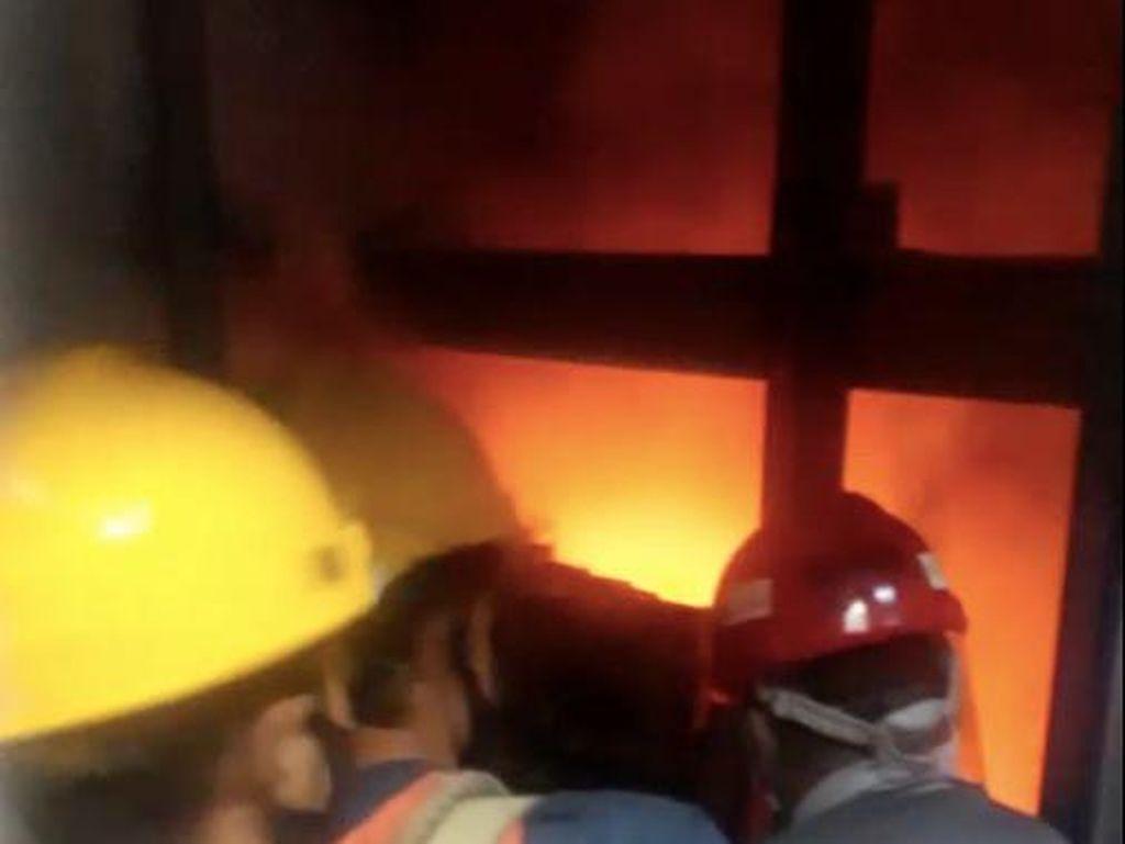 Pimpinan DPR: Bukan Lift Baru yang Terbakar, Dibetulin karena Anjlok