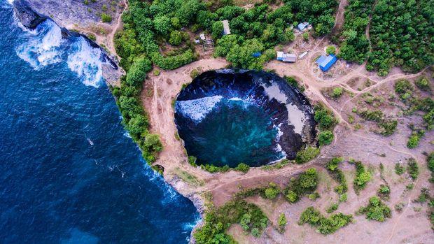 Nusa penida famous broken beach aerial view