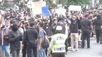 Demo Pendukung Jerinx SID di PN Denpasar Dibubarkan, Korlap Akan Diperiksa