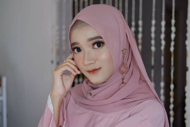 Referensi makeup tunangan