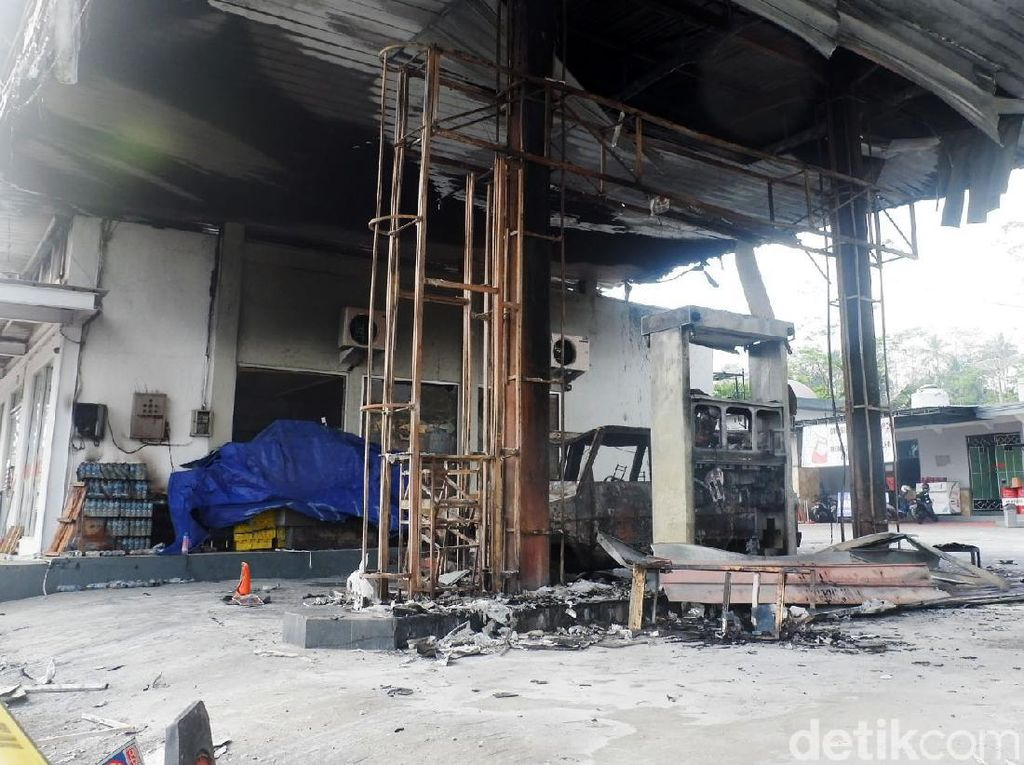 Polisi Buru Sopir Mobil Pemicu Kebakaran SPBU Sawangan Wonosobo