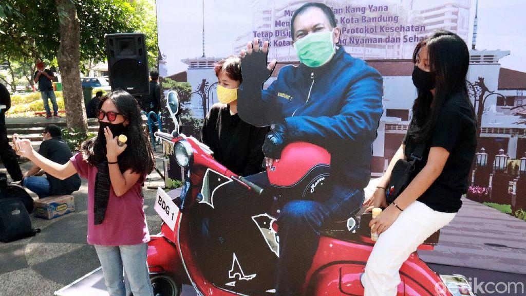 Tahu Nggak, Taman Kota Bandung Kini Ada Spot Foto Bareng Wali Kota