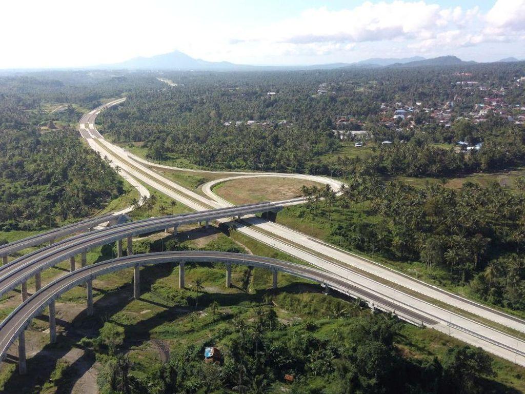 Jokowi Resmikan Tol Pertama di Sulut